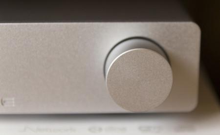 Le potentiomètre de volume du NuForce DDA-100