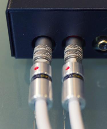 La qualité des câbles de modulation est déterminante avec un ampli casque. Les câbles Viard Audio Premium HD RCA-RCA se sont montrés admirablement neutres lors de nos écoutes.