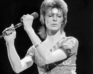 David-Bowie-as-Ziggy-Stardust_Tron-Legacy-inspiration-2