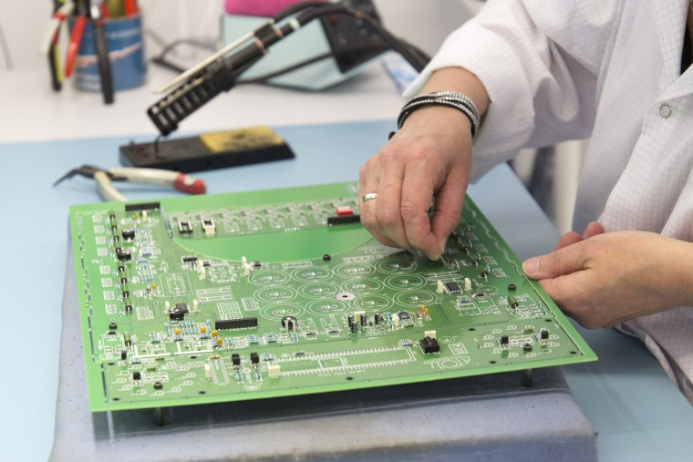 Visite Usine Atoll Electronique placement composants