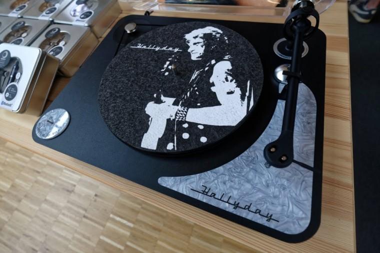 La nouvelle platine Elipson Alpha 100 RIAA Johnny Hallyday