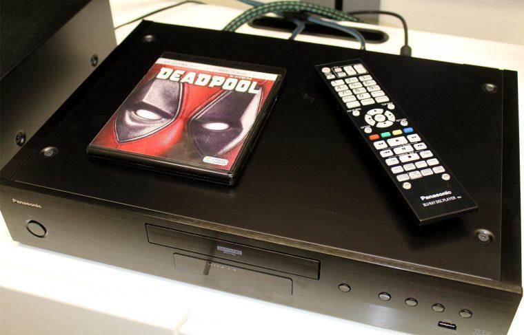 Panasonic DP-UB9000: la télécommande