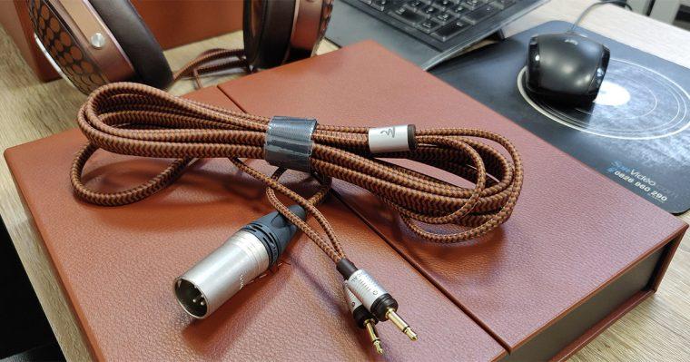 Focal Stellia: câble symétrique avec connecteur Neutrik