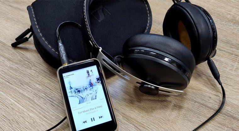 Le baladeur audiophile FiiO M6 a été testé notamment avec le casque Sennheiser Momentum Wireless.